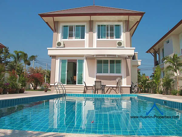 Cha-Am luxury pool villa for rent