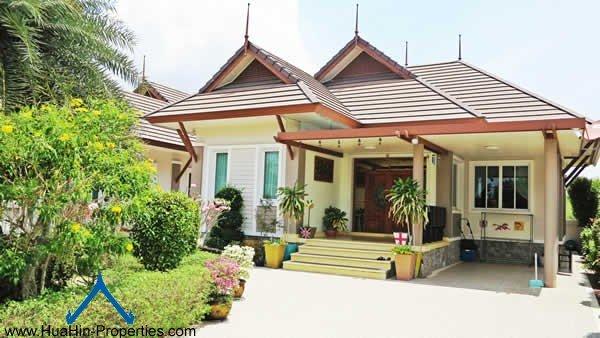 Quiet Villa for rent Cha-Am